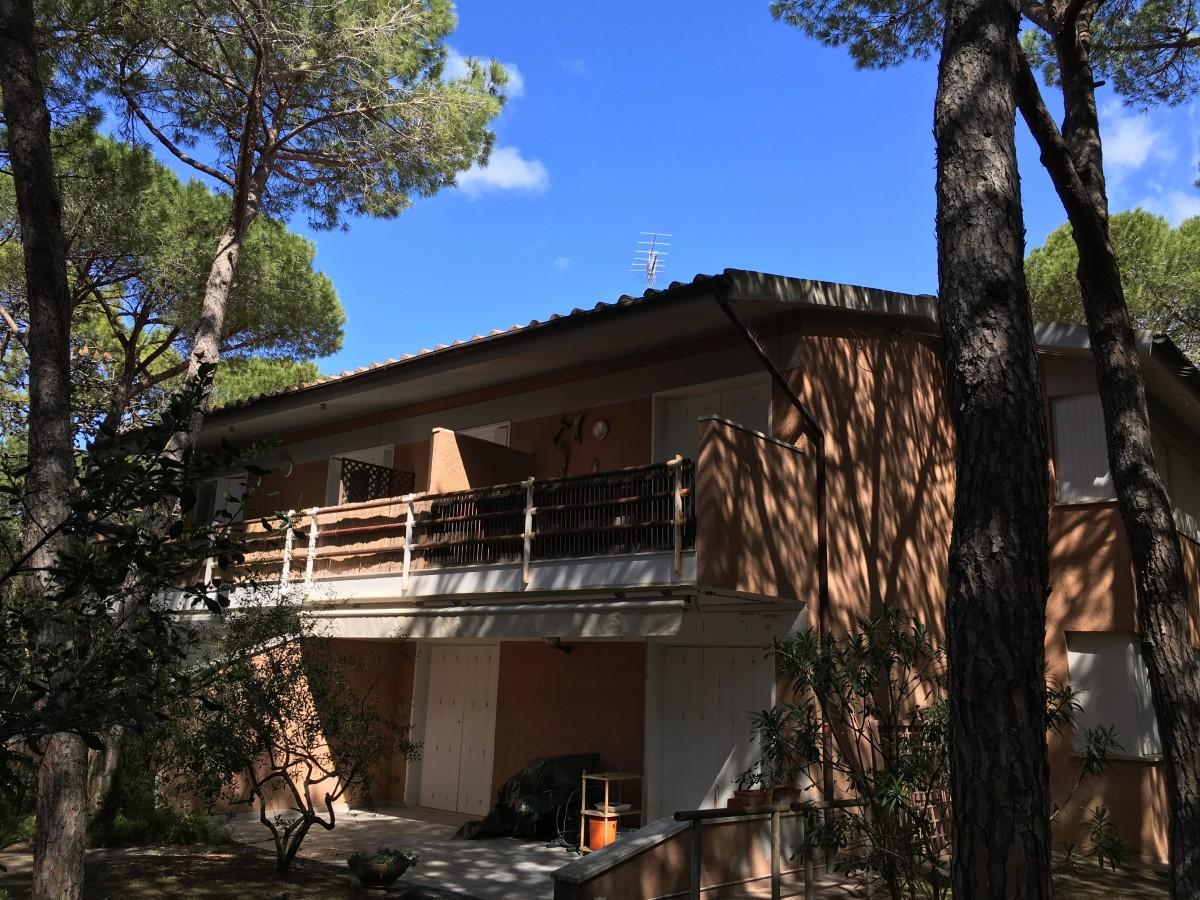 Vendesi appartamento con giardino Riva del Sole