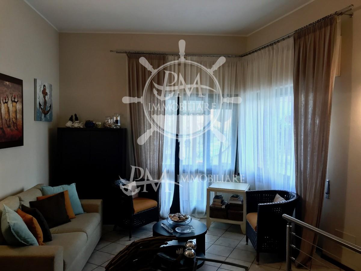 Vendesi appartamento ristrutturato ingresso indipendente